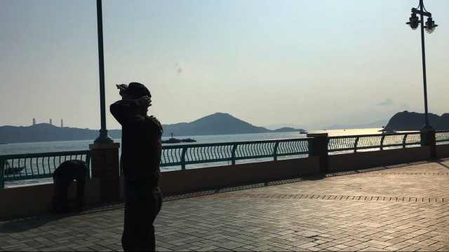 拍完戏后,享受在香港的惬意生活