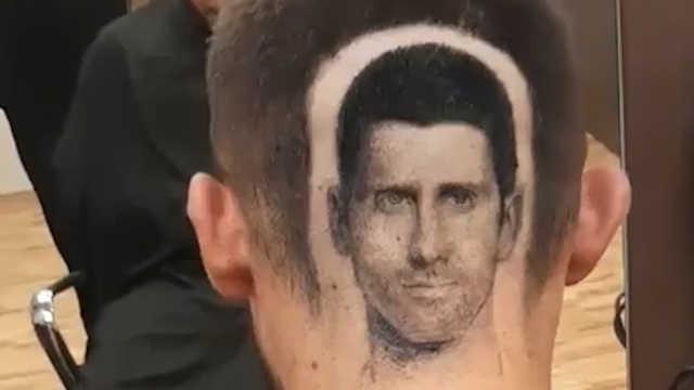 塞尔维亚球迷把德约科维奇剃在头上