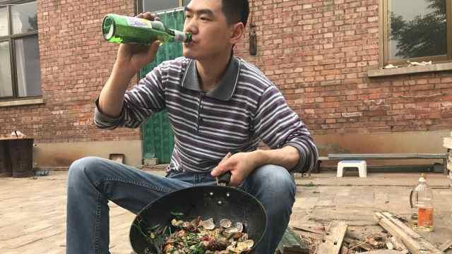 铁锅炒花蛤,再来瓶啤酒才更配