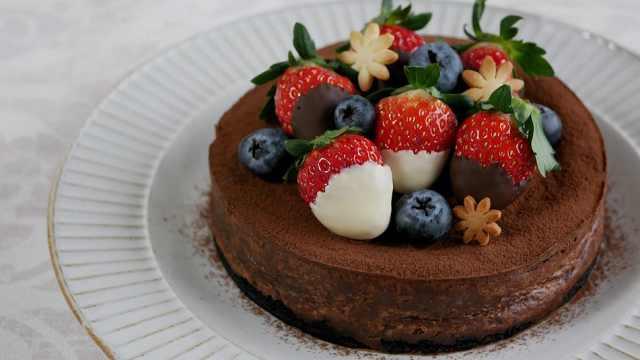 烤巧克力芝士蛋糕,香浓的美味甜点