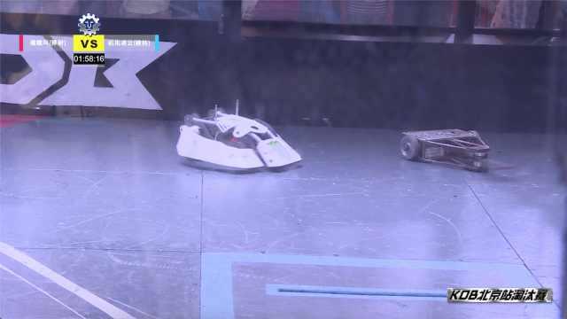 面对高速转刀,这台铁甲正面硬钢