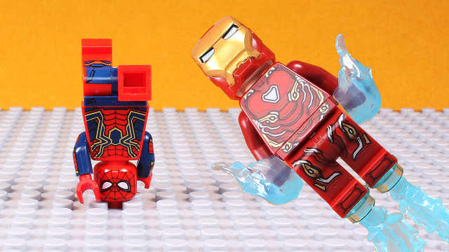 超级英雄集体大变身!