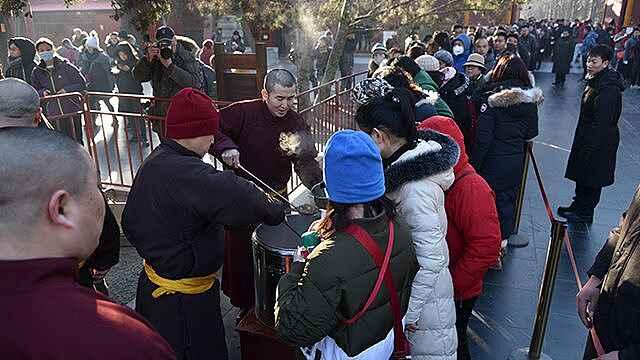 8500人雍和宫领粥祈福