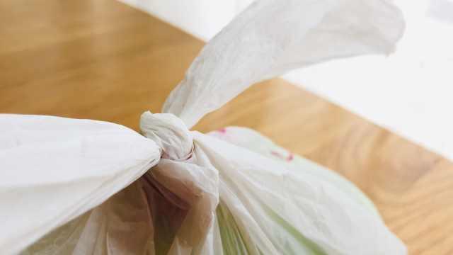 塑料袋系太紧,解不开怎么办?