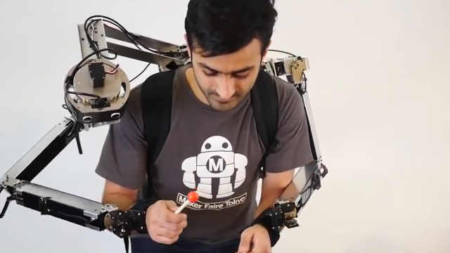 日本机器人背包,让你多出一双手!