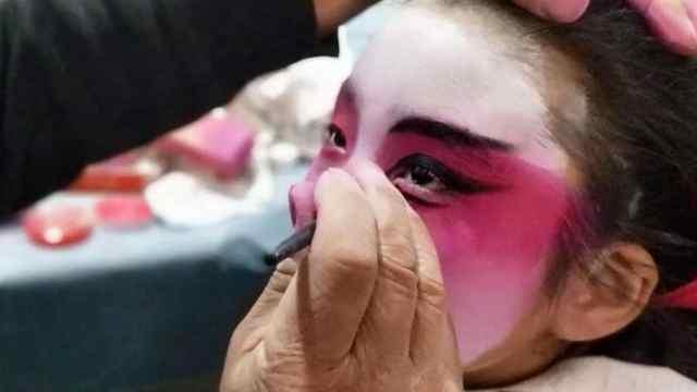 猛犸视频丨鹤壁社火节孩子呼呼大睡