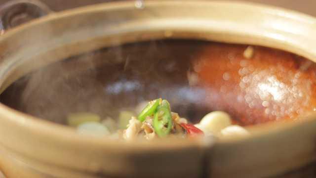 砂锅海鲜吃过吗?美味全靠调料配