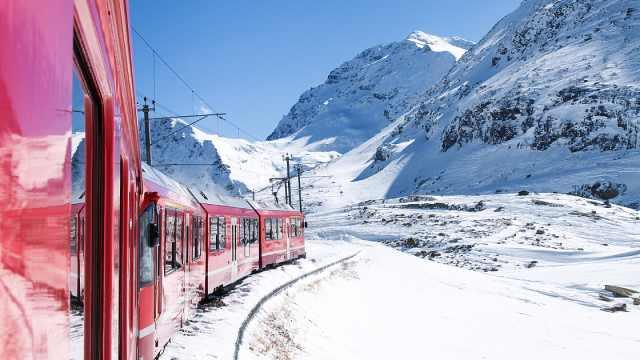 超仙的瑞士冰川特快,一天看尽四季