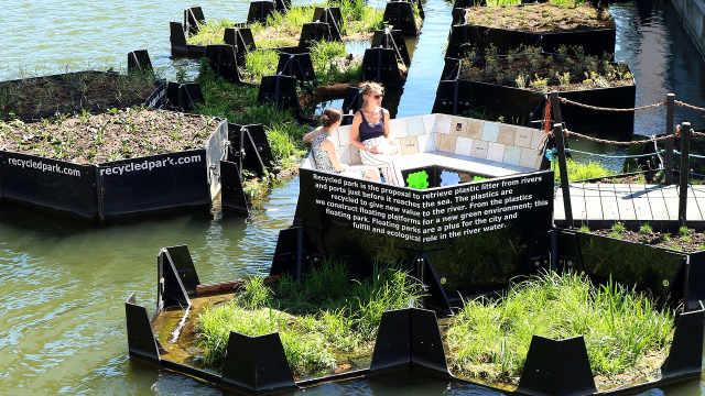 变废为宝,他们用垃圾造漂浮公园