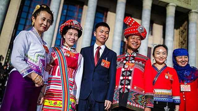 献给新中国成立70周年——?#19994;?#31036;物