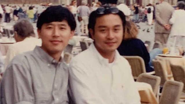 张国荣逝世16周年,唐鹤德晒照缅怀