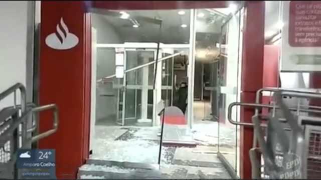 巴西银行抢劫案,至少11人被击毙