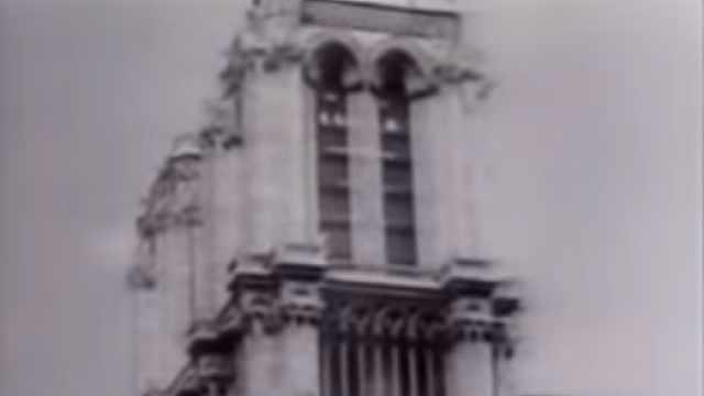 珍贵影像:二战战火下的巴黎圣母院