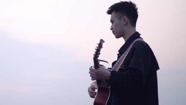 超催泪民谣!「安和桥」吉他弹唱