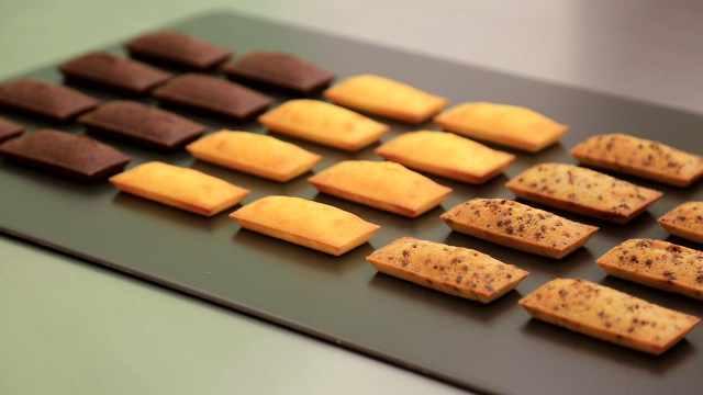 三味费南雪:柚香、覆盆子、巧克力