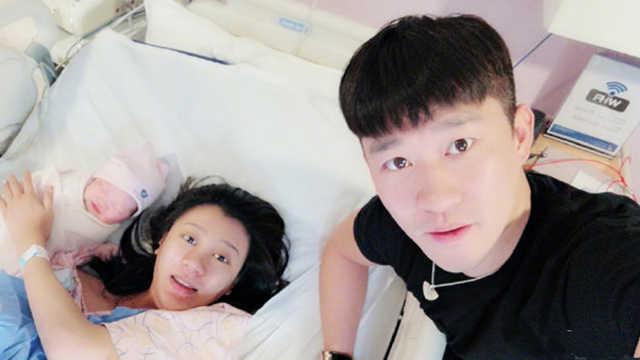 曹云金与唐菀离婚后俩人直奔银行
