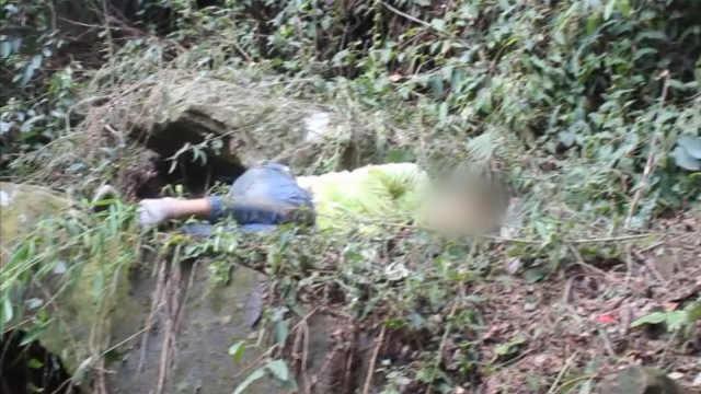 勘测员踩空坠15米山崖,腰部摔重伤