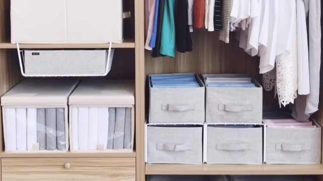 大胖的衣橱挂衣区的整理方法